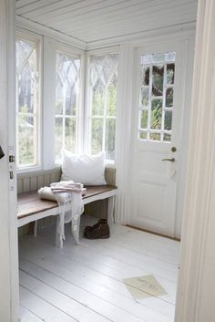 windows, window seat, painted floors, wainscoting on the ceiling All White Room, White Rooms, White Space, White Bedroom, Vibeke Design, Style At Home, Painted Floors, Painted Floorboards, Painted Wood