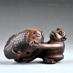 VERY FINE OLD JAPANESE WOOD MONKEY & KOI NETSUKE