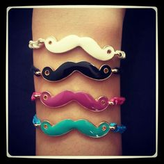 Mustage armcandy