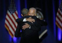 Uno de los retratos más emotivos del discurso queBarack Obama dioen el centro de convenciones McCormick Place de Chicago fue el sentido abrazo que se dieron él y su siempre sonriente vicepresidente, Joe Biden.