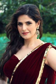 Zareen Khan HD Photos Age Height Weight Husband Biography Zarine Khan pictures image of Bollywood actress. Indian Bollywood Actress, Bollywood Girls, Beautiful Bollywood Actress, Beautiful Indian Actress, Indian Actresses, Beautiful Women, Bollywood Stars, Beautiful Gorgeous, Bollywood Fashion