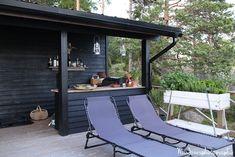 MRS JONES: KESÄKEITTIÖ Wood Shed, Lake Cottage, Summer Garden, Dream Garden, Outdoor Furniture, Outdoor Decor, Black House, Sun Lounger, Outdoor Living