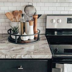Kitchen Desk Organization, Kitchen Desks, Home Decor Kitchen, Diy Kitchen, Home Kitchens, Kitchen Tray, Kitchen Counter Decorations, Decorating Kitchen Counters, Kitchen Counter Storage