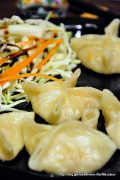 ravioli cinesi al vapore con gamberi e verdure