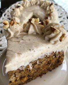 """1,162 """"Μου αρέσει!"""", 27 σχόλια - Instasuntages (@instasuntages) στο Instagram: """"🥕Κέικ Καρότου με υπέροχη κρέμα - Carrot Cake. Πολλές φορές με ρωτάτε να σας δώσω τα υλικά…"""" Pie, Desserts, Food, Instagram, Cakes, Videos, Photos, Torte, Tailgate Desserts"""
