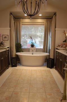 Free standing tub. I absolutely adore this!!!