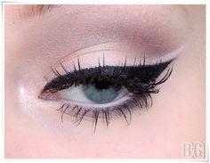 Cat eye with minimal shadow
