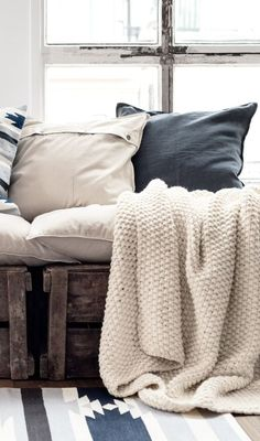 Textiles, soft and comforting, speak of 'home'. Collected ethnic pillows and rugs add pattern and color that is perfect for desert living. Style At Home, Decoration Inspiration, Interior Inspiration, Home Fashion, Piece A Vivre, My New Room, Interiores Design, Cozy House, Home Collections
