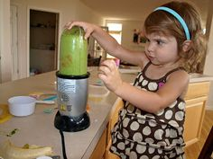 Healthy kid friendly Kale smoothie recipe!!