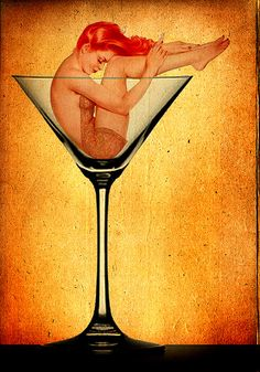 Alberto Vargas Found one of his books a few years back and also a pop up pin up book which I think a dick sack stole. Pinup Art, Dita Von Teese, Uñas Pin Up, Jorge Guzman, Comic Art, Modelos Pin Up, Pin Up Mermaid, Mermaid Pinup, Alcohol Withdrawal