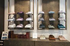 În magazinele Braiconf găsești o gamă largă de cămăși pentru ținutele tale casual sau smart-casual.  Localizează cel mai apropiat magazin aici: www.braiconf.ro/magazine.  #braiconf #magazine