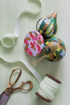 Make It Happen: #Ornament #Gift Toppers on the #AnthroBlog #Anthropologie