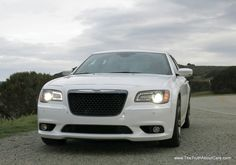 The white chrysler 300 SRT8 2013 car wallpaper - Car Picture Collection