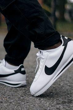 Zapatillas Nike Cortez, Nike Cortez Shoes, Nike Air Shoes, Sneakers Nike, Tenis Nike Casual, Nike Tenis, Cholo Style, Le Tennis, Big Men Fashion