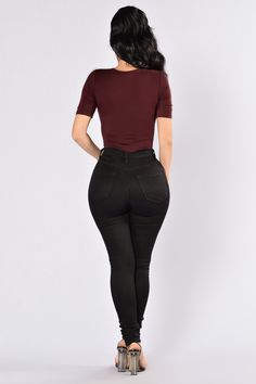 Drop The Basic Bodysuit - Deep Red – Fashion Nova Rompers Women, Jumpsuits For Women, Swimsuits For Curves, Bodysuit Fashion, Curves Clothing, Sexy Jeans, Casual Jeans, Drop, Black Bodysuit