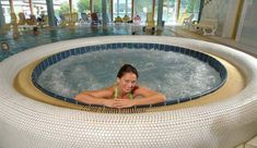 Therme Bad Bleiberg in Kärnten Berg, Austria, Outdoor Decor, Ski Trips, Summer Vacations, Recovery, Swimming