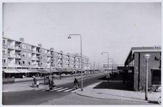 1960 Tussenmeer hoek Hoekenes met Supermarkt de Gruyter