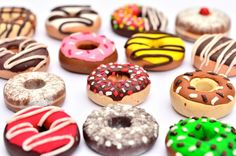 Polymer-clay donuts inspired in Dunkin Donuts Size: cm Visit the full gallery here --> [link] ! And more donuts here! Donut Pictures, My Favorite Food, Favorite Recipes, Donut Flavors, National Donut Day, Stress Eating, Krispy Kreme, Dunkin Donuts, Donuts Donuts