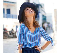 Pruhovaná blúzka so zaviazaním Pulls, Shoulder, Fashion, Tunic Blouse, Dress Skirt, Sweater Skirt Outfit, Flowy Skirt, Open Shoulder Top, Red And Blue
