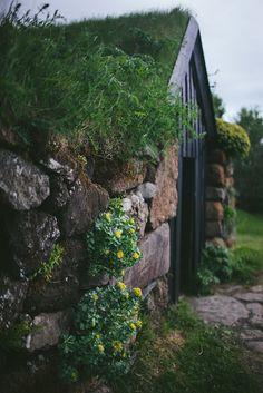 ⌂ Hobbit Homes ⌂ delta-breezes: Eva Kosmas Flores