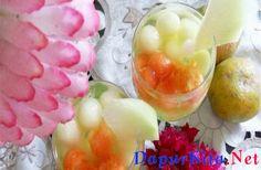 Bahan : Pepaya, bentuk bulat Melon, bentuk bulat Irisan melon untuk hiasan Sirup rasa melon Perasan air jeruk Cara membuatnyaJika Anda bosan dengan buah-buah ini, Anda bisa menggunakan buah-buah yang juga memiliki banyak kandungan