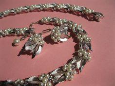 1950s trifari necklace, bracelet and earring set