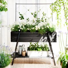 The Raised Grow Box by Kekkilä is an easy way of setting up a small garden on the balcony or terrace of your home. The easy-to-assemble kit includes a raised grow box, climber support, accessory shelf and three plant sticks.