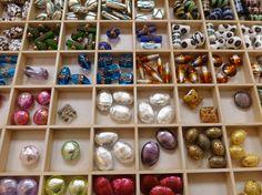 (Thema kleur) - Glaskralen uit Praag