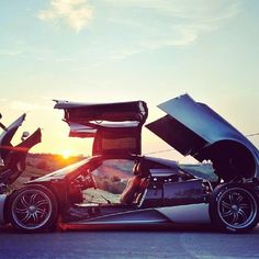 Pagani Huayra opening itself up to the world