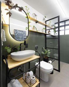 Look what an amazing transformation has done in this bathroom. Bathroom Layout, Bathroom Interior, Small Bathroom, Estilo Interior, Shower Remodel, Diy Bedroom Decor, Home Decor, Home Projects, Decoration