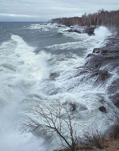 Definitely not a day to be out on the lake!!  Minnesota's North Shore, Lake Superior - Photograph copyright: Craig Blacklock