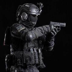 These 5 Airsoft training drills will improve your skill in the field. These airsoft drills will make you a professional in. Military Police, Military Weapons, Military Art, Ghost Soldiers, Tactical Armor, Military Special Forces, Future Soldier, Special Ops, Modern Warfare