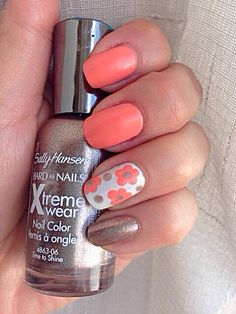 Flowers   Champagne & Coral   Nail Art