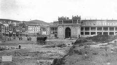1922.Plaza de toros en construcción.
