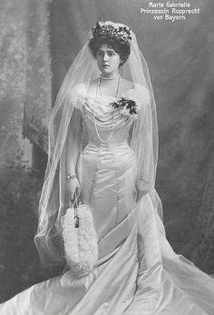 1900 - Marie Gabrielle of Bavaria wearing her wedding dress