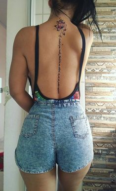 Back tattoos are among the sexiest place to get a body art, spine tattoos are fun and lovely. Back Tattoo Women, Back Tattoos, Rose Tattoos, Future Tattoos, Flower Tattoos, Sleeve Tattoos, Tattoos For Women, Tattoo Neck, Trendy Tattoos