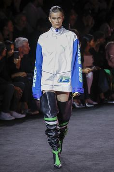 See the complete Fenty x Puma Spring 2018 Ready-to-Wear  collection.