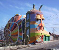 Technicolor snail building