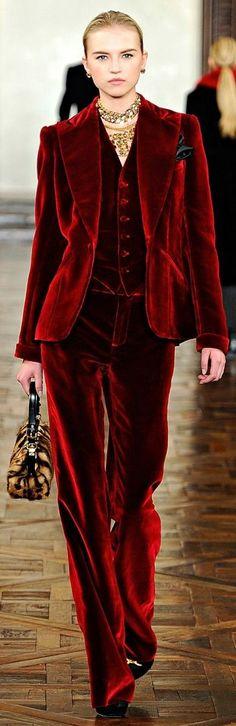 69f2027ef4843521592db06cfd0cb0e4--velvet-suit-velvet-pants.jpg (390×1200)
