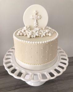 First Communion Decorations, Religious Cakes, First Communion Cakes, Cakes And More, Dessert Table, Oreo, Cake Decorating, Bakery, Birthday Cake