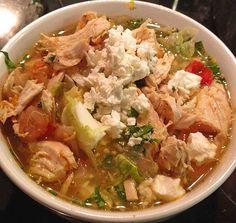 Mexikanische Hühnersuppe mit Salat