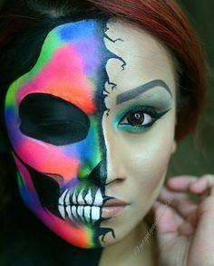Neon half skull for Halloween. Horror Makeup, Scary Makeup, Fx Makeup, Neon Face Paint, Skull Face Paint, Body Paint, Amazing Halloween Makeup, Halloween Make Up, Halloween Face Makeup