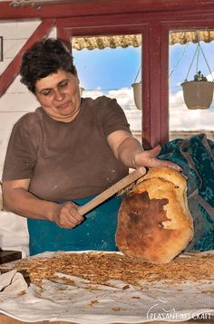 Artisanal Bread Baking – Crusty Country Style Székely Battered Boule #bread #baking #food #traditional #romania