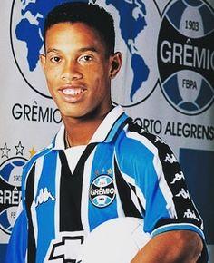Ronaldinho at Gremio before he moved to Europe  #footballshirtcollective #ronaldinho #gremio #brasil #psg #barcelona #milan #brasil