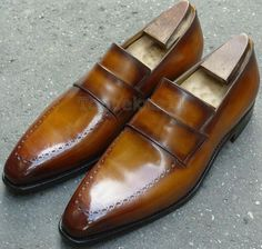 Classic Handmade Men's Leather Tan Slippers Casual Dress New Loafers  Fashion 2020 Shoe Structure Are Divided Into Following Parts:  1. Baseline leather sole  2. 100% Leather heel made 3. Best finishing tan leather 4. Manufacture used loafer fastening 5. Best lining with leather on shoes 6. Leather sole is inserted in inner side  7. Upper side is made by original leather 8. 100% satisfaction guaranteed Mens Leather Loafers, Loafers Men, Leather Men, Cordovan Shoes, Loafer Shoes, Leather Jacket Outfits, Leather Jackets, Handmade Leather Shoes, Casual Shoes