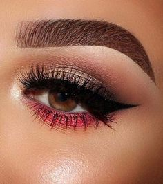 Flash of Red Makeup Idea Eye Makeup 41 Insanely Beautiful Makeup Ideas for Prom Sparkly Eye Makeup, Silver Eye Makeup, Neutral Eye Makeup, Red Eye Makeup, Dramatic Eye Makeup, Neutral Eyes, Hooded Eye Makeup, Colorful Eye Makeup, Simple Eye Makeup