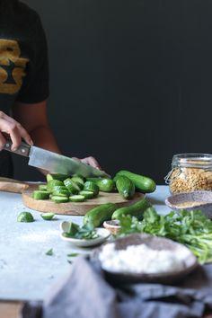 Cucumber Chutney/ Southekkai Chutney Mangalore style Amazing Food Photography, Dark Food Photography, Cucumber Chutney, Indian Food Recipes, New Recipes, Perfect Food, Fruits And Vegetables, Food Styling, Food Inspiration