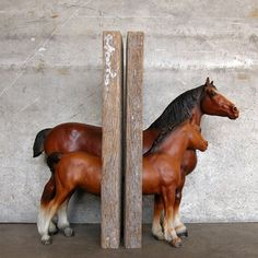 Mare And Foal Bookends in Brown.
