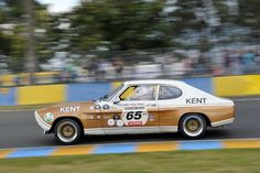 Results and photo gallery from the 2012 Le Mans Classic historic races, held July at the famed 24 Hours of Le Mans Circuit de la Sarthe in France. Sports Car Racing, Sport Cars, Race Cars, Auto Racing, Car Ford, Ford Gt, Auto Ford, Ford Motorsport, Old Hot Rods
