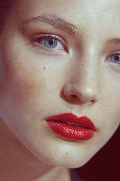 Neutral Fresh & Dewy Face W/ Bold Red Lips.
